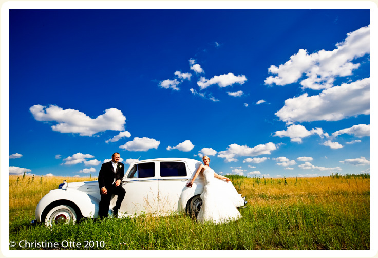 Antique 1954 white Bentley for weddings